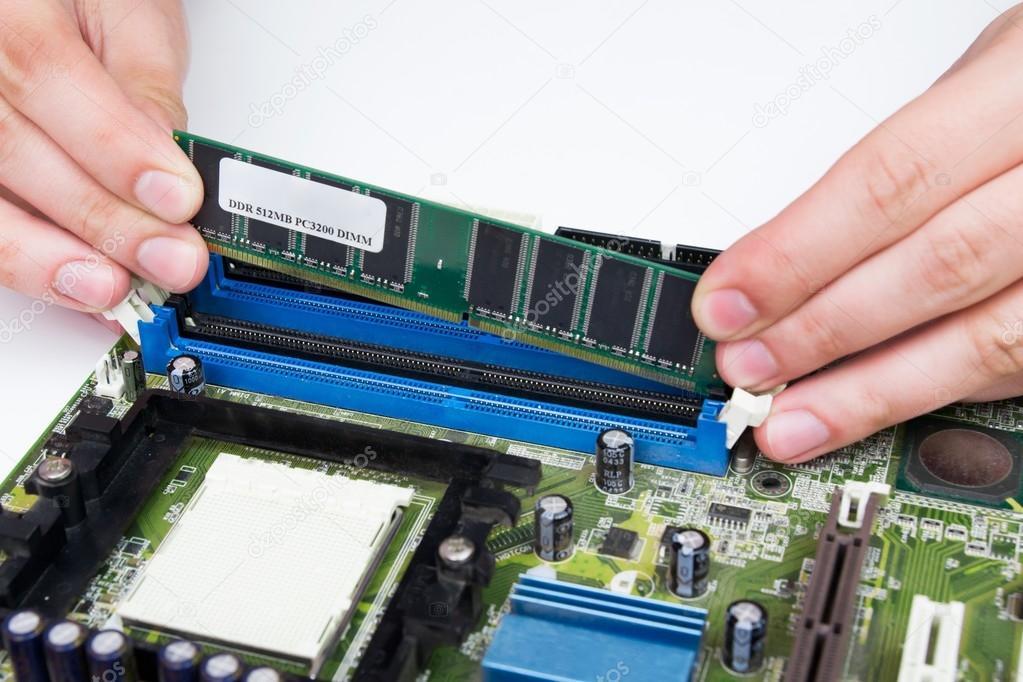 Come aumentare la memoria RAM su PC desktop (fisso)