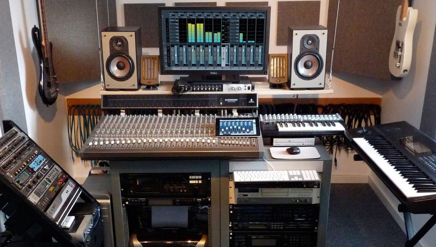 Come allestire uno studio di registrazione in casa low cost jguana - Mobili studio registrazione ...